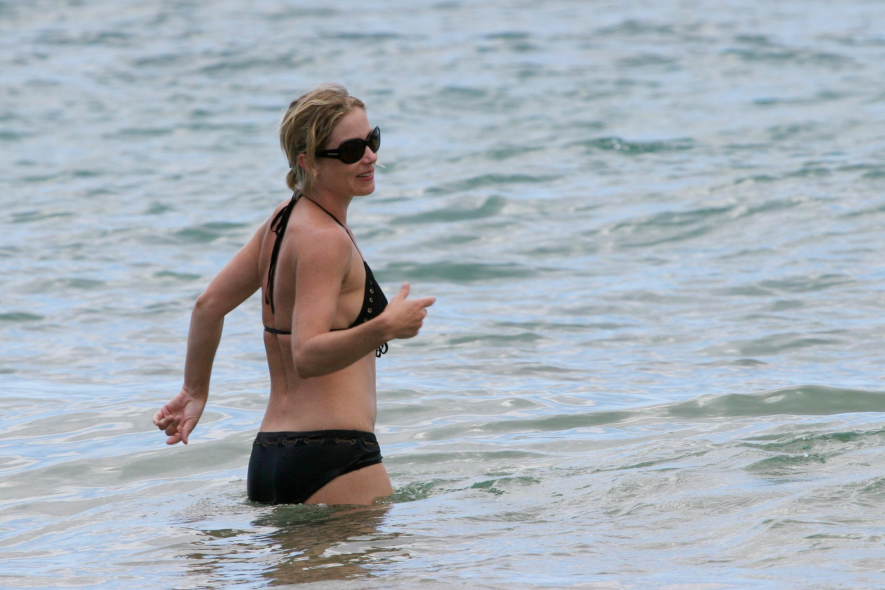 Christina Applegate Bikini Photos