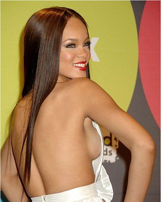 76479_celebrityinc_rihanna_billboardtittaydump01_122_354lo.jpg