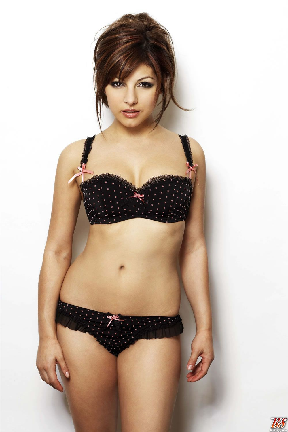 75743_roxanne_pallett_unknown_lingerie_photoshoot_1_122_476lo.jpg