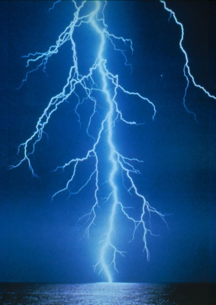 http://www.documentingreality.com/forum/attachments/f181/221274d1288542424-lightning-beautifully-amazing-lightning1.jpg