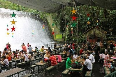 waterfall-restaurant-550x366.jpg
