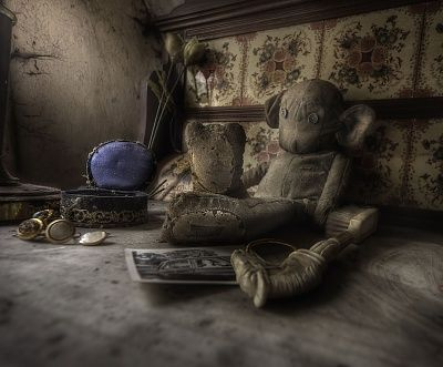 rooms-full-old-toys-decay-abandoned-manor-house.jpg