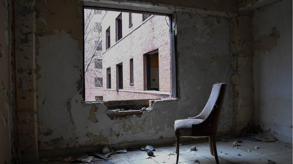 An%20abandoned%20apartment%20in%20Chicago%2C%20Ill..jpg
