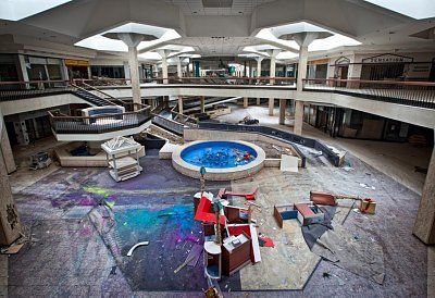 d222dc80-9cf8-11e4-8f5f-1b72b51e874c_13_caters_abandoned_shopping_centre_17.jpg